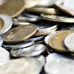 小銭をお札に両替するなら銀行か郵便局!手数料無料で土日も可能?